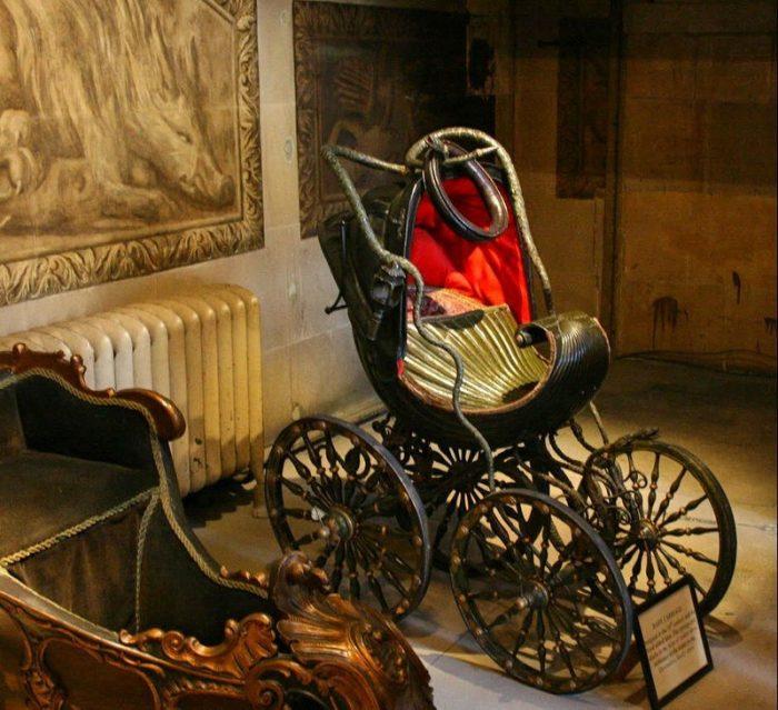 старинная детская коляска 2