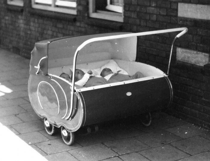 старинная детская коляска 9