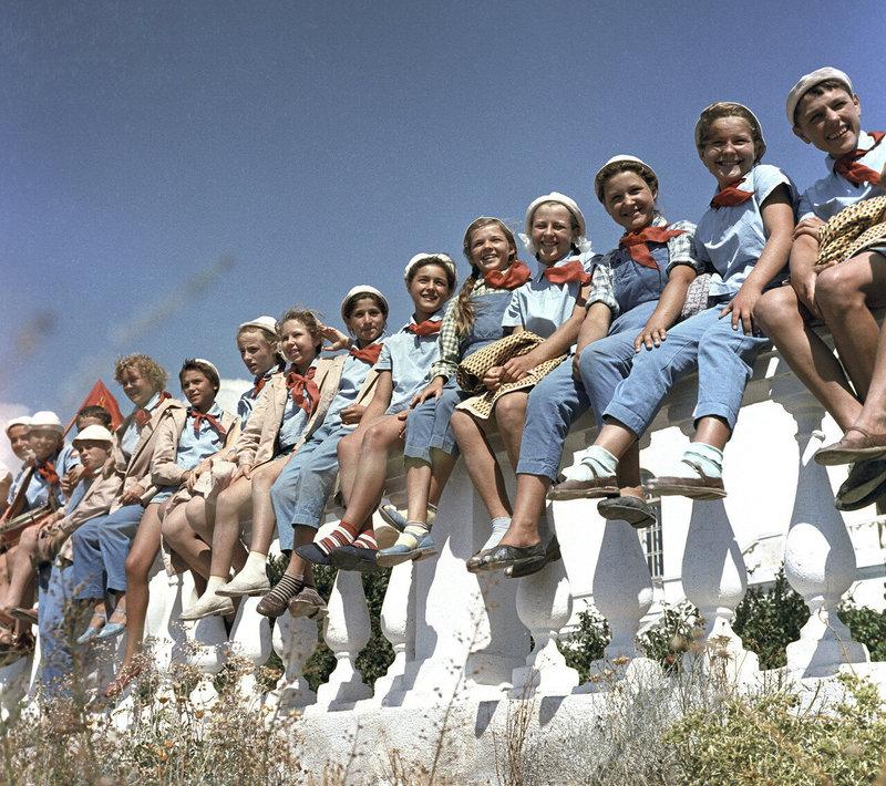 Как проводили лето дети в СССР