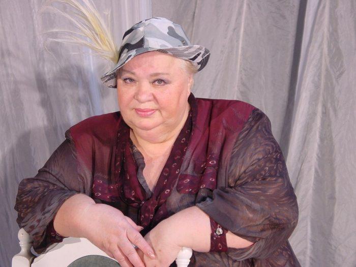 Наталья Крачковская сидит