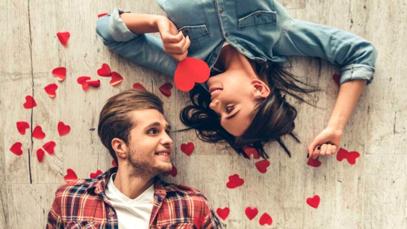 Что подарить парню на годовщину отношений: идеи подарков