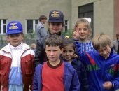 дети в 1990 году