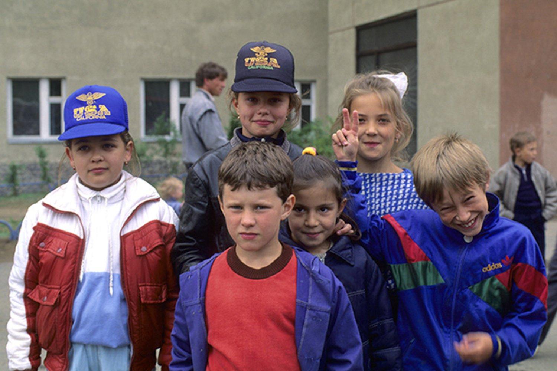Что мы собирали в детстве: 80-е против 90-х