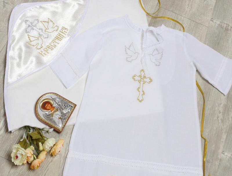 Православные традиции: что крёстные родители дарят ребёнку на крещение