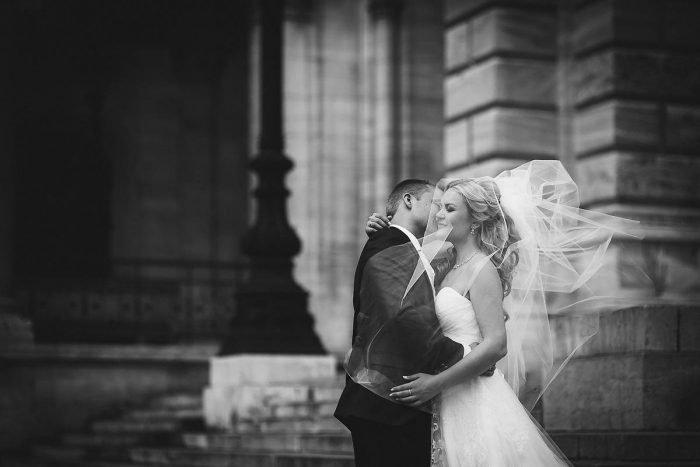 Чёрно-белое свадебное фото