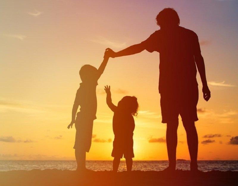 Может ли отец получить материнский капитал: что говорит закон