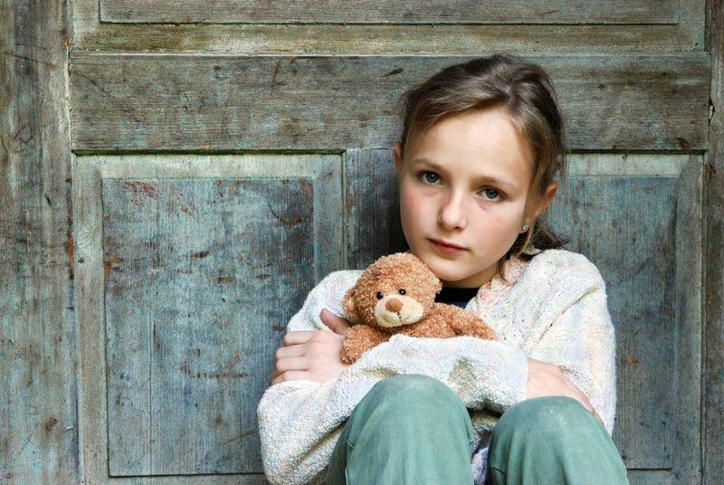 Не списывайте на усталость или невоспитанность: 10 признаков депрессии у детей