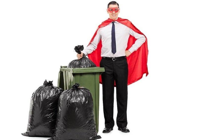 Как нельзя выносить мусор: страшные последствия, которые пророчат приметы
