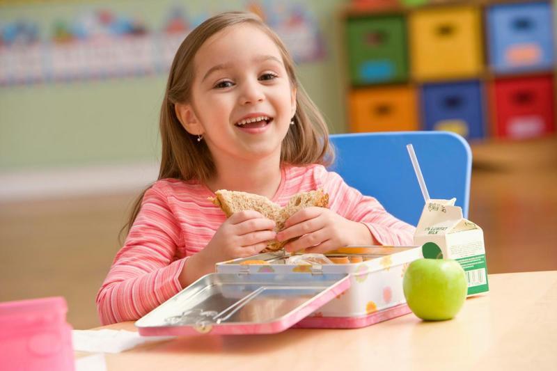 11 продуктов и блюд, которые мы зря считаем полезными для детей