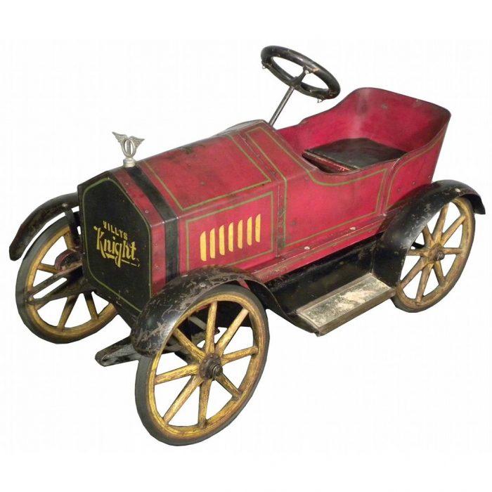 деревянный педальный автомобиль