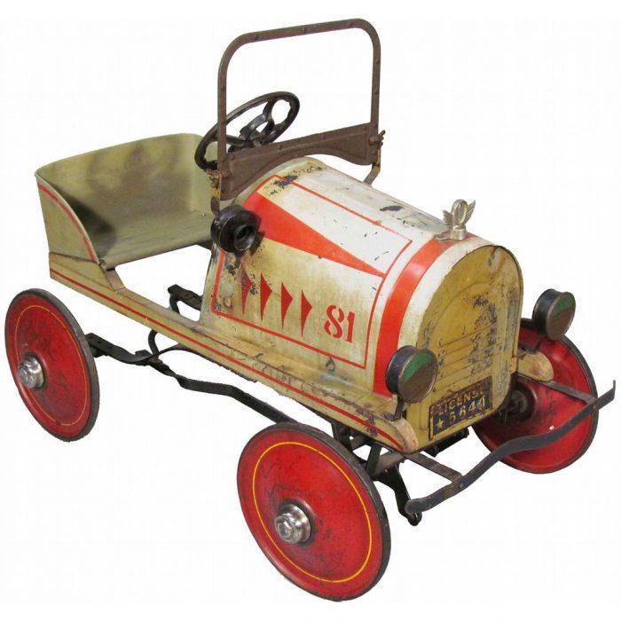 педальный автомобиль итальянский