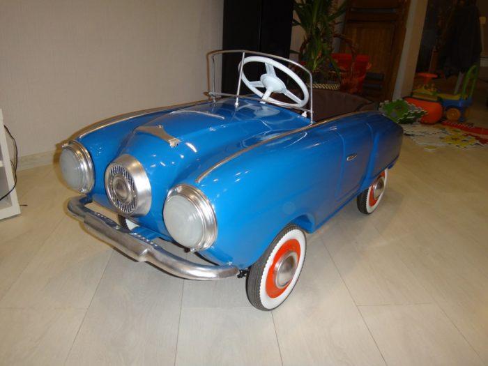 педальный автомобиль Москвич