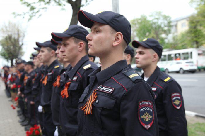 Полицейские на построении