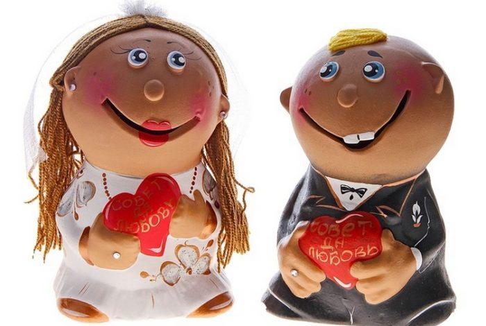 Копилки в виде жениха и невесты