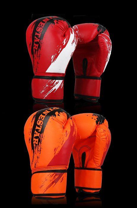 Две пары борцовских перчаток