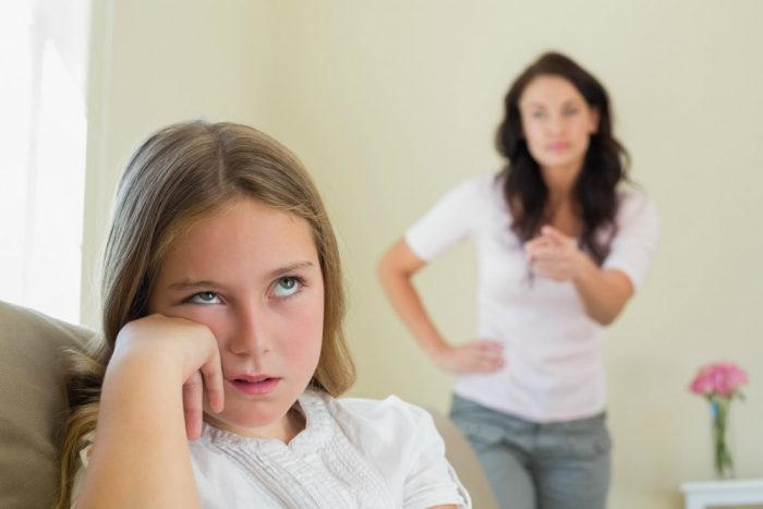 Дочь не слушает мать
