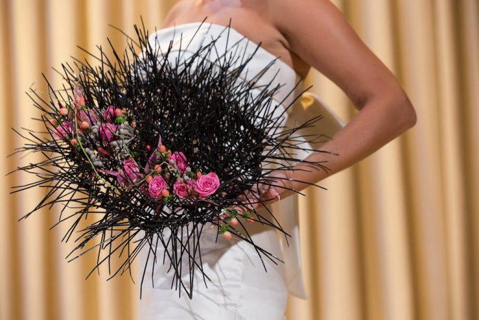 свадебный букет с колючками