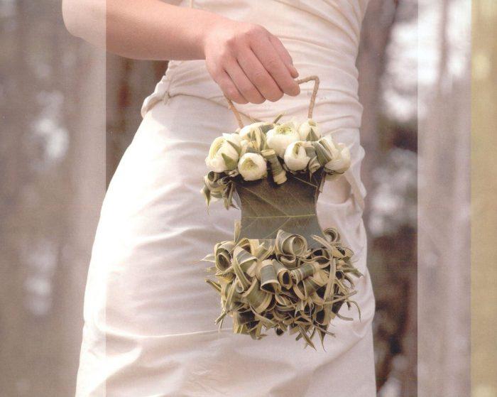 свадебный букет из сухих листьев и цветов