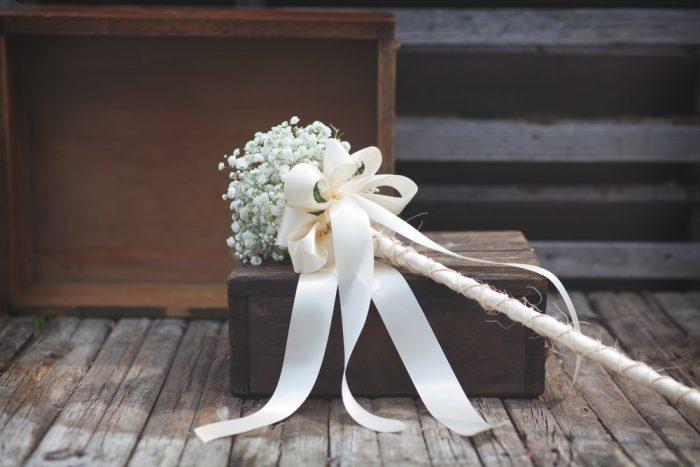 свадебный букет на длинной палке