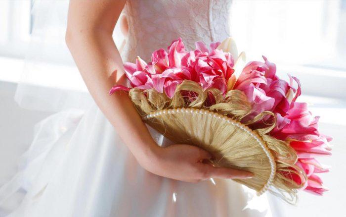 свадебный букет с веером из волос