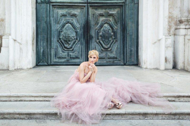 Необычные свадебные платья: креативные, индивидуальные, смелые