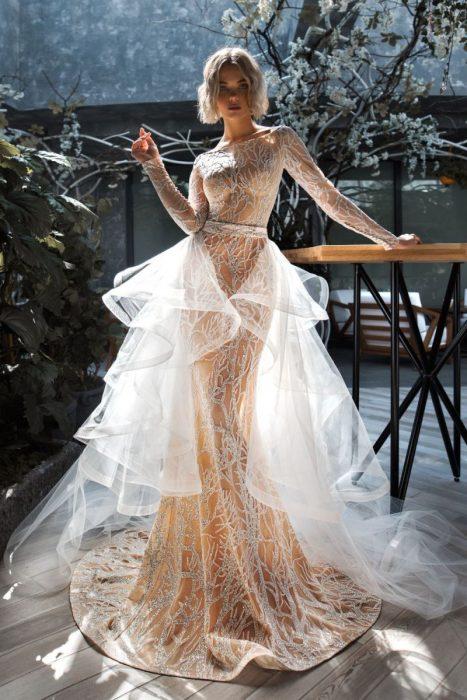 свадебное платье с воланами из прозрачной органзы