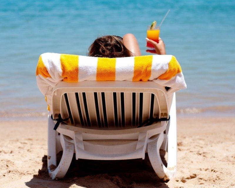 Летняя ошибка: почему в жару бесполезно пить сок