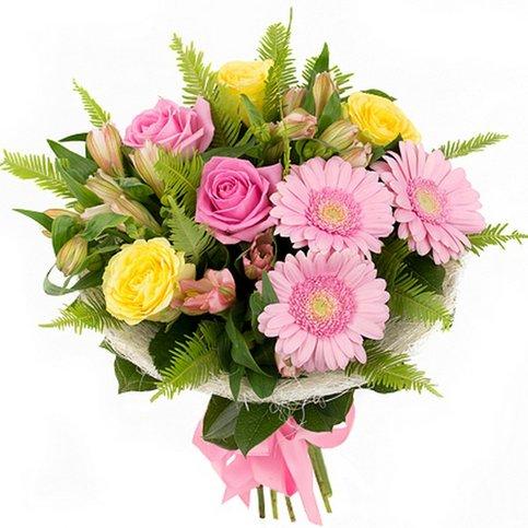 букет на 1 сентября с розами и лилиями