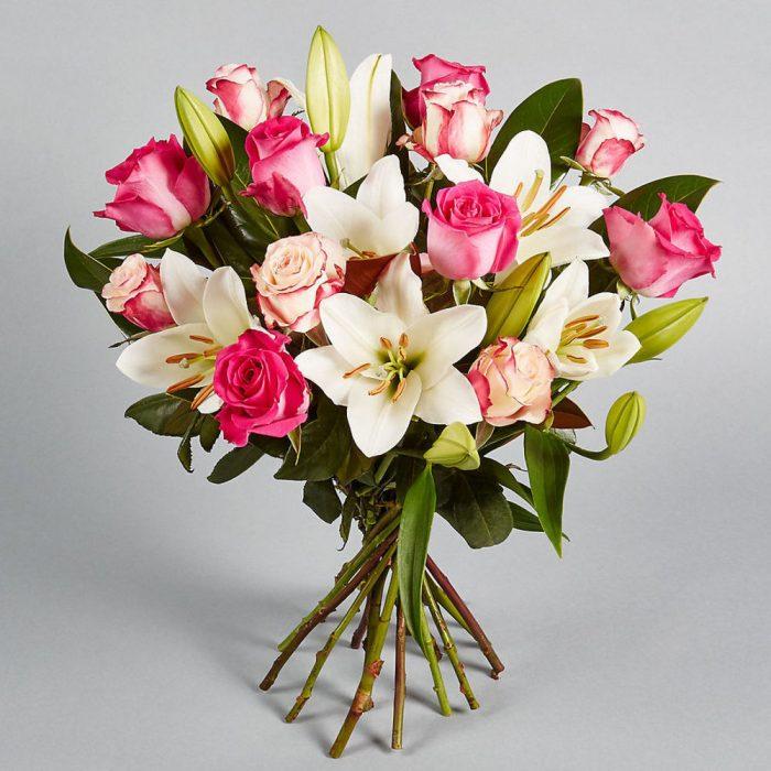 букет на 1 сентября из роз и лилий