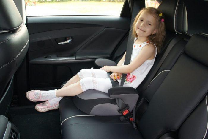 Перевозка детей на заднем сиденье