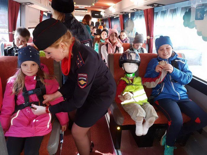 Обеспечение безопасности детей в автобусе