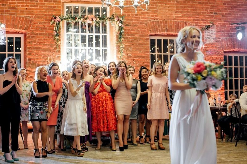 Стоит ли ловить букет невесты?