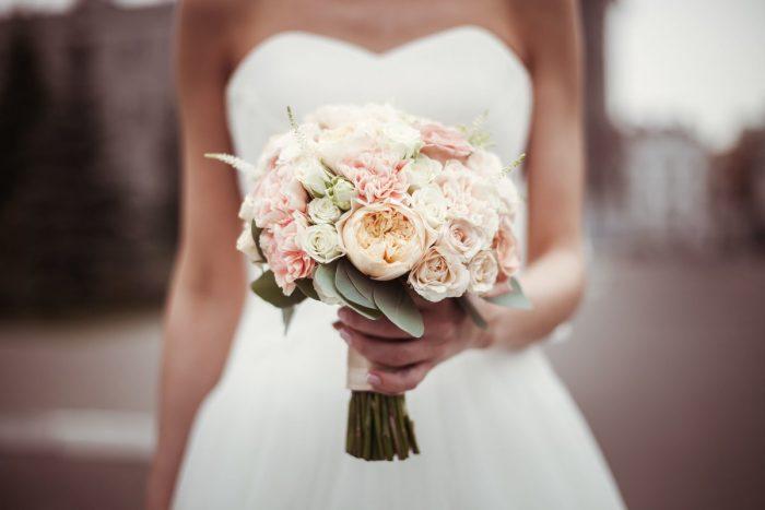 Округлый букет невесты