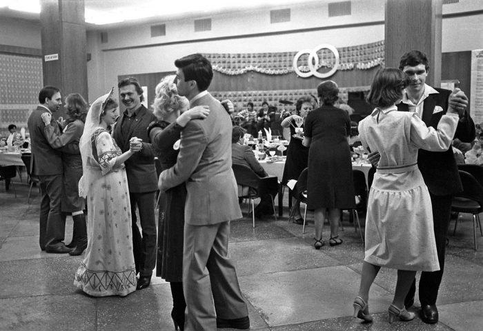 свадебный банкет в советское время