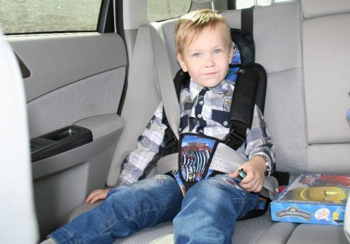 Как пристегнуть ребёнка в бескаркасном автокресле