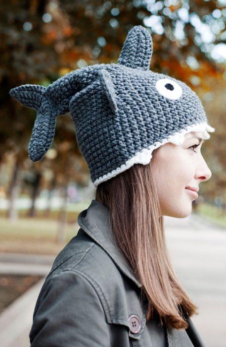 шапка-акула