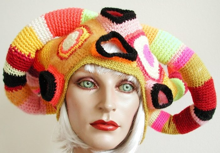 шапка-минотавр