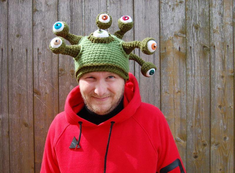 Время надеть шапки: смешные головные уборы для детей и взрослых