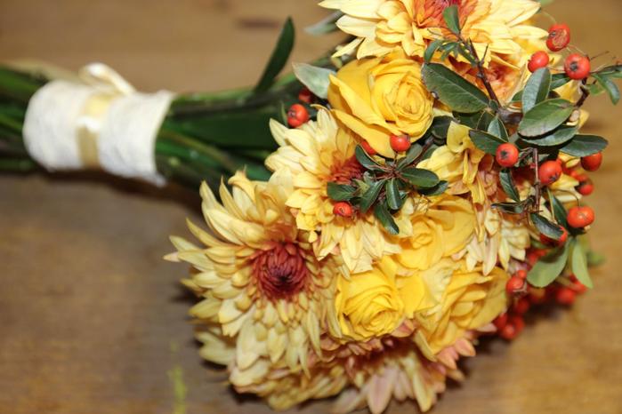 свадебный букет с хризантемами
