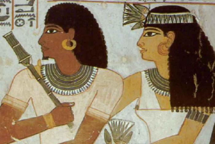 Изображение древних египтян с серьгами в ушах