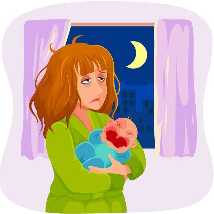 Уставшая мама с ребёнком на руках