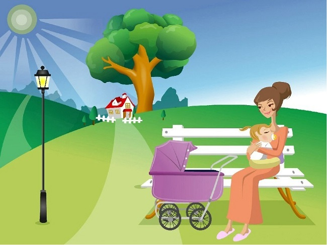 Мама с ребёнком и коляской сидит на лавочке