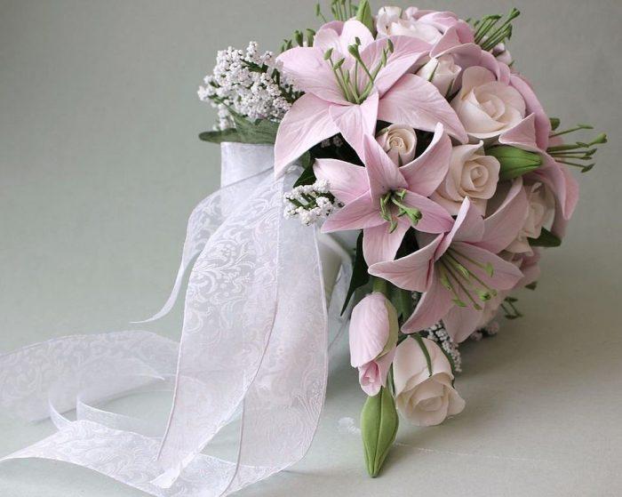 Букет невесты из лилий