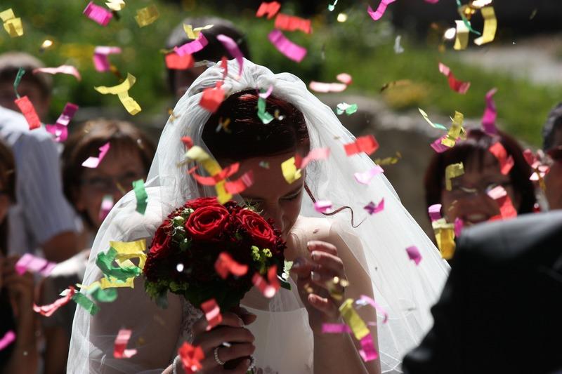 Признаки того, что ваша дочь удачно выйдет замуж