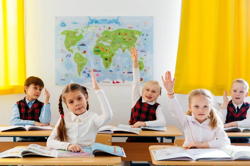 10 вещей, на которые родители школьников имеют право не сдавать деньги