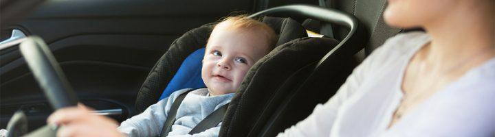 Перевозка детей на переднем сиденье автомобиля