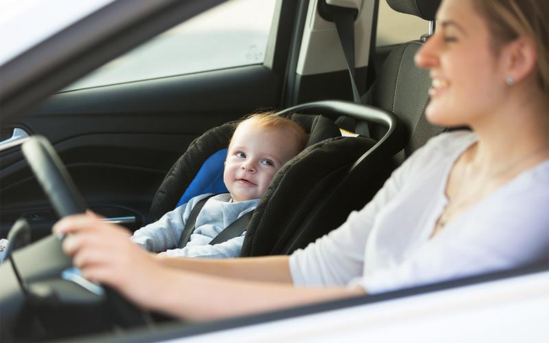 С какого возраста можно ездить в детском кресле на переднем сидении
