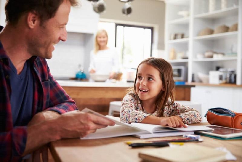 Можно ли не отдавать ребёнка в школу, или Что такое семейное образование
