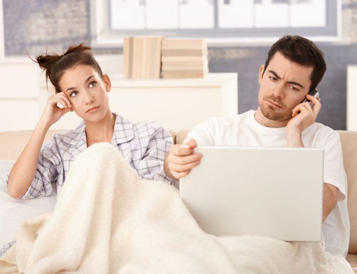 жена скучает пока муж работает