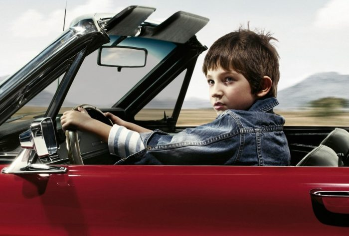 Несовершеннолетний ребёнок за рулем машины